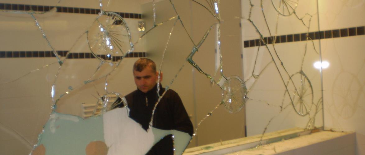 Miroiterie sur mesure bruxelles vitrerie glass for Miroir sur mesure luxembourg