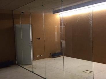 porte en verre et cloison vitr e a liege vitrerie glass. Black Bedroom Furniture Sets. Home Design Ideas
