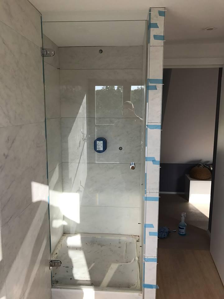 cabine de douche en verre tremp bruxelles vitrerie glass. Black Bedroom Furniture Sets. Home Design Ideas